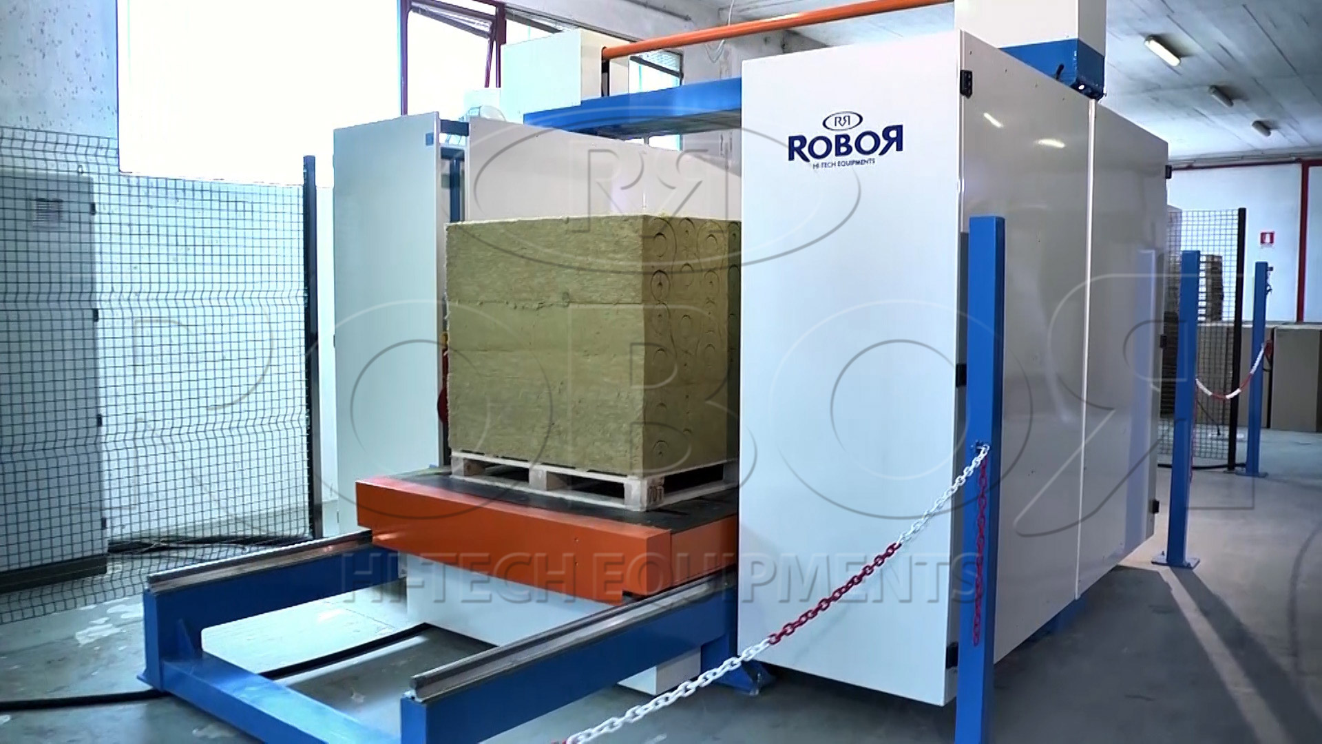 CNC cutting contouring machine - Insulation machines - ROBOR | Hi ...